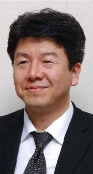 教授 篠田博之